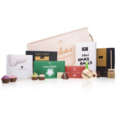 Chocolissimo - Drevená darčeková krabička s čokoládou na Vianoce 645 g